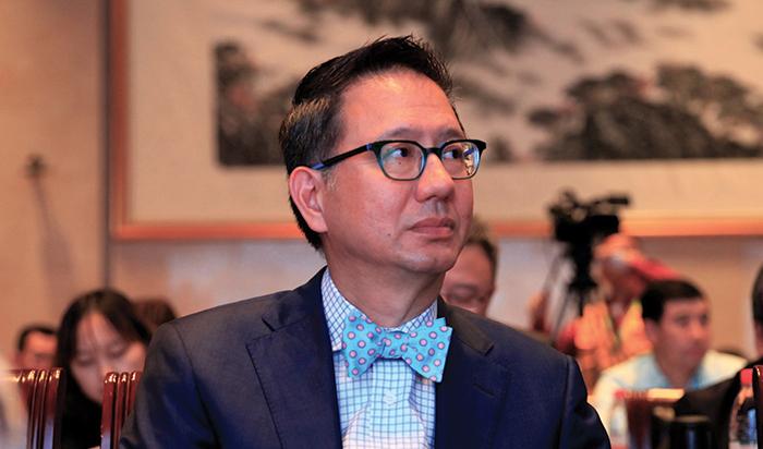 Dr Ian Chuang Photo (Horizontal).jpg